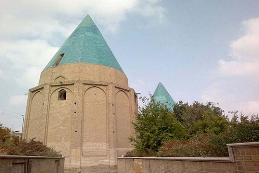اطلاعات تکمیلی بلیط اتوبوس تهران به کاشان - مقبره گنبد سبز