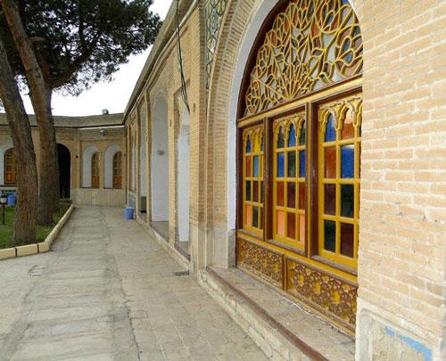 اطلاعات تکمیلی بلیط اتوبوس اصفهان به کرمانشاه- قلعه والی